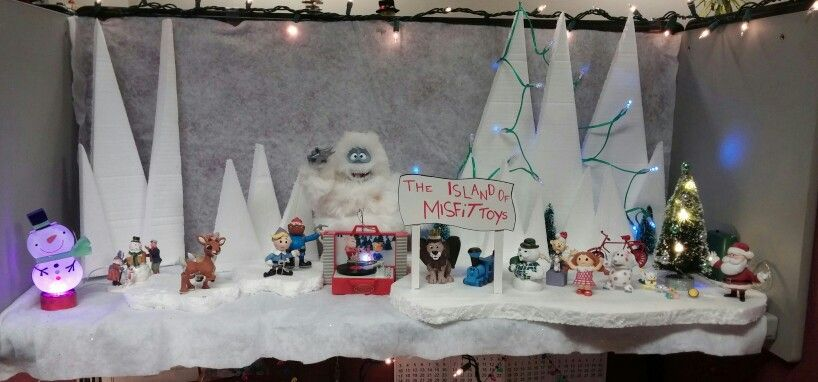 Rudolph And The Island Of Misfit Toys Office Decorating Contest Christmas Villages