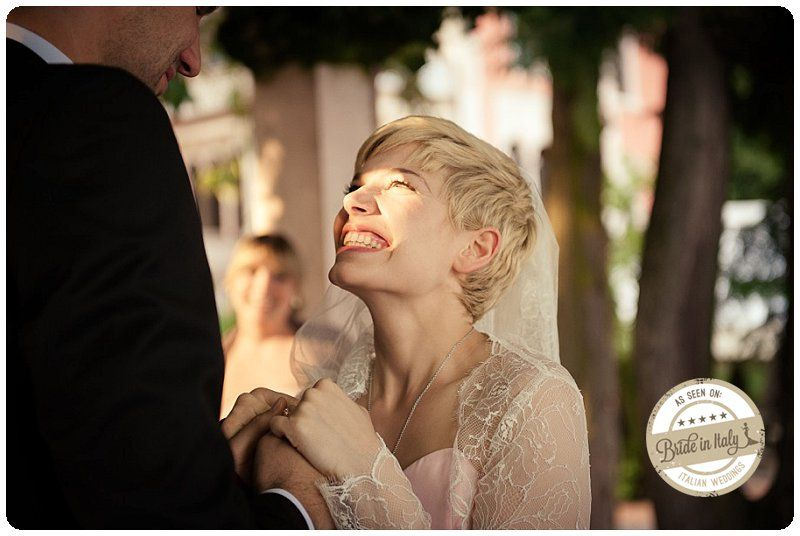 Short hair for brides is still unconventional but really lovely, ph Matteo Cuzzola #shorthair http://www.brideinitaly.com/2013/09/cuzzola-garda.html