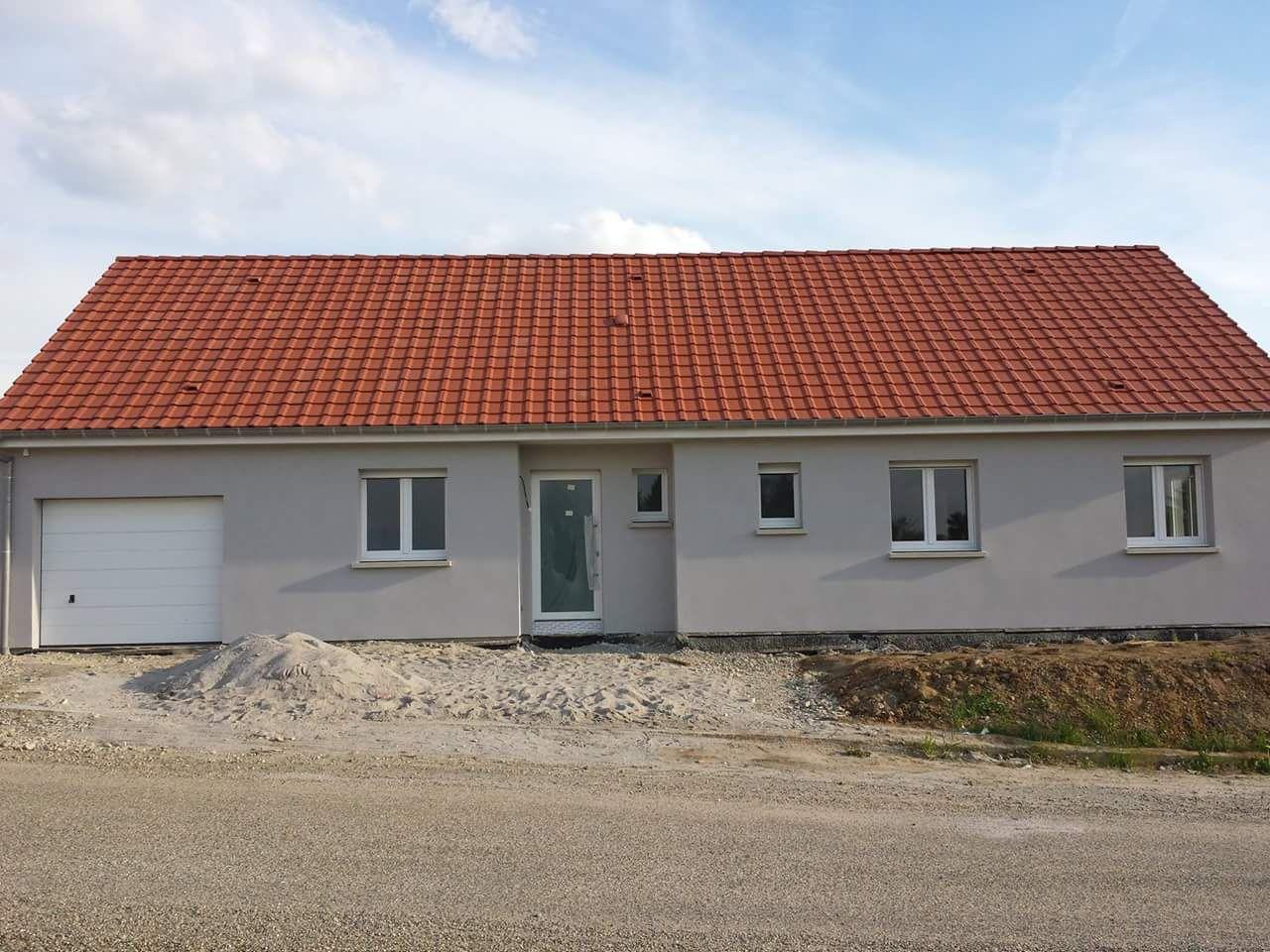 construction de maison de plain-pied à Harskirchen. Une construction ...