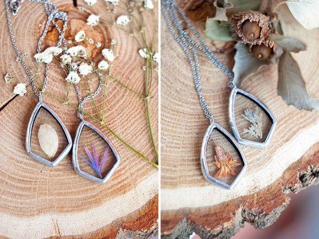 Natureza Designer russa faz lindos colares usando folhas e flores - flores secas