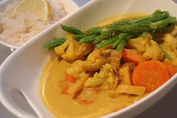 Curry aus Karfiol (Blumenkohl) und Karotten