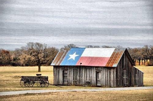 Love These Old Barns And The Texas Flag Old Barns Old Barn Barn