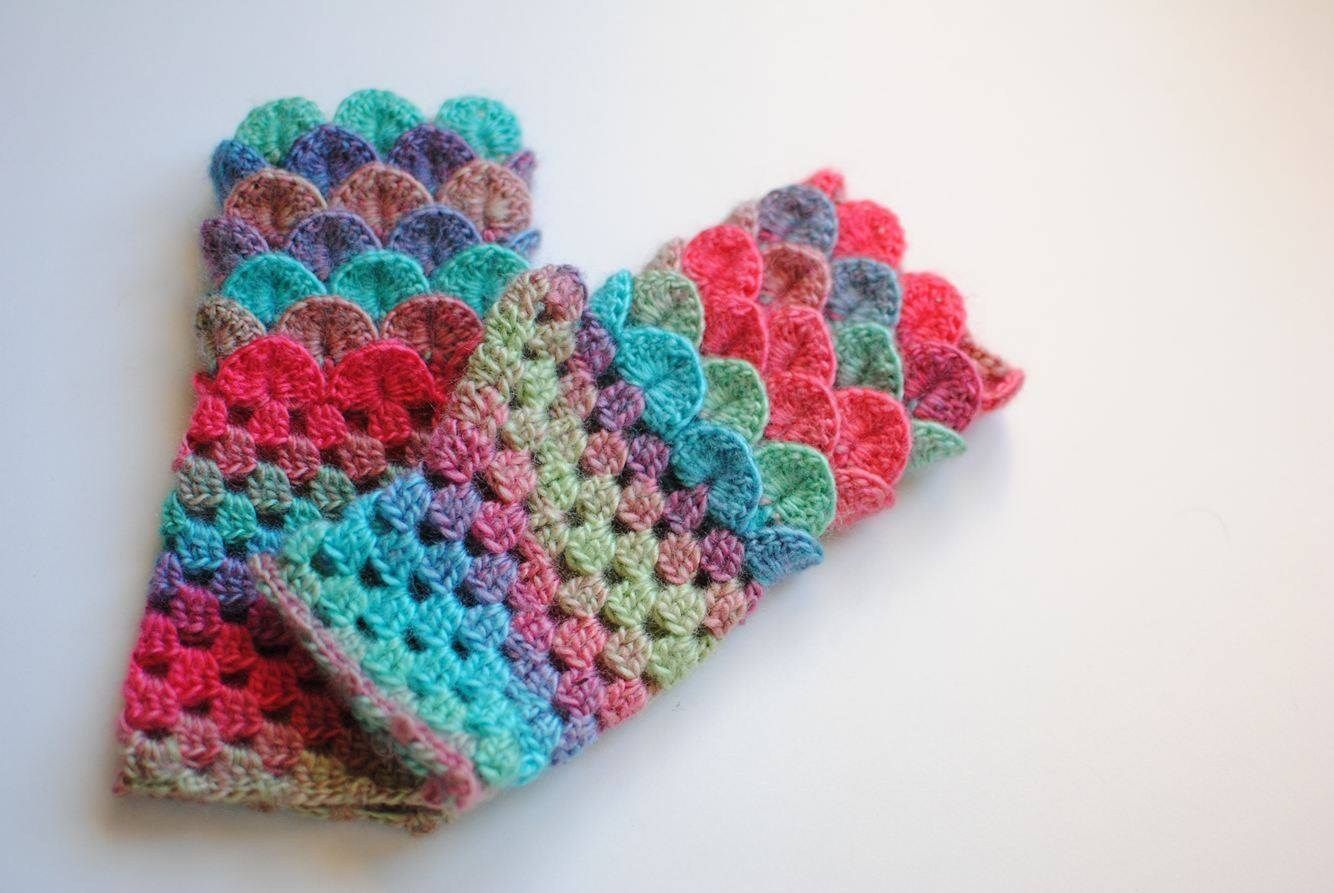 Free Crochet Pattern: Magical Mermaid Fingerless Mitts /Dragon Scale Crochet / Crocodile Stitch / Fingerless Gloves www.jkwdesigns.com