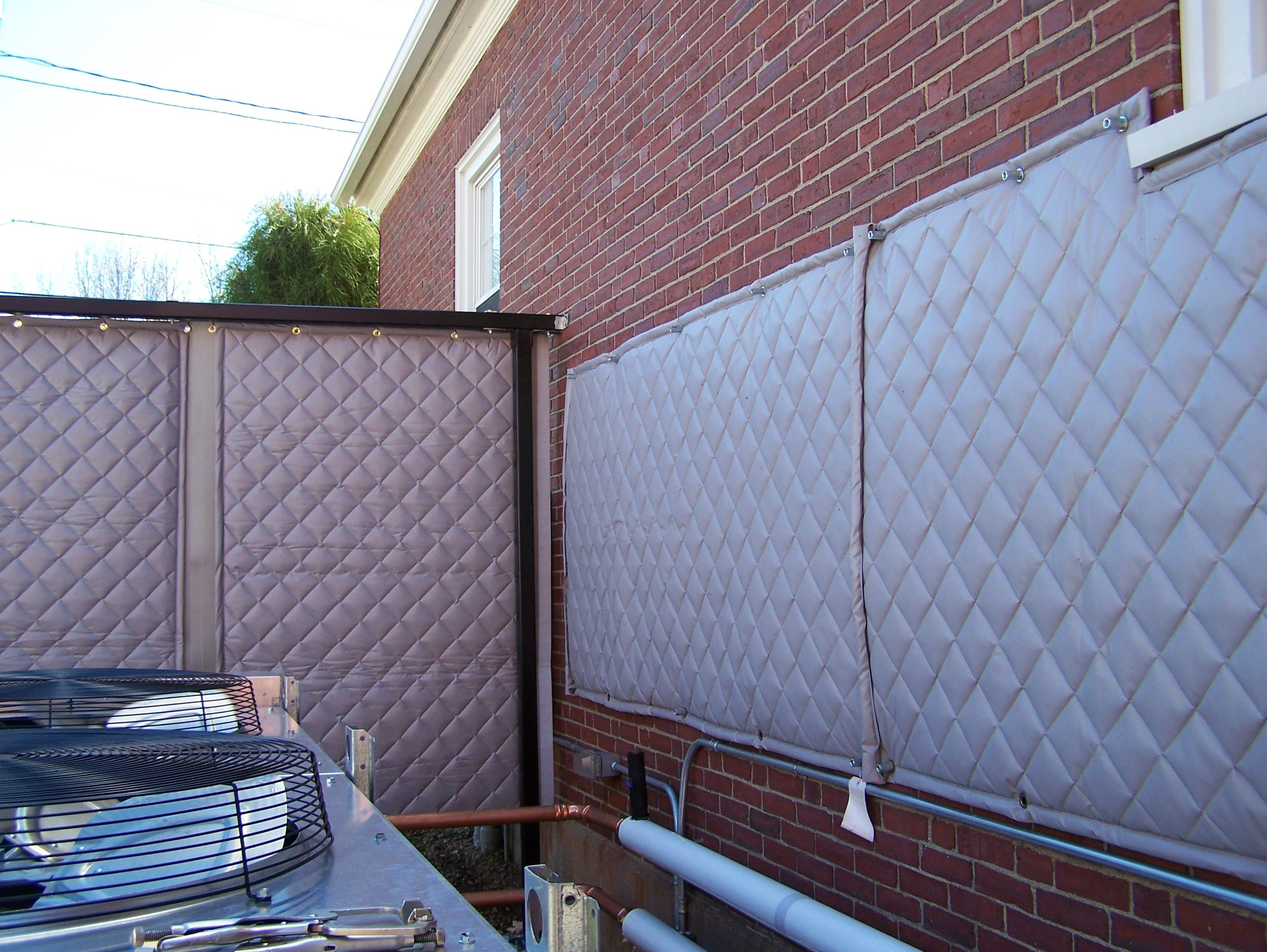 Reduce Outdoor Noise With A Sound Blocking Fence 550 W