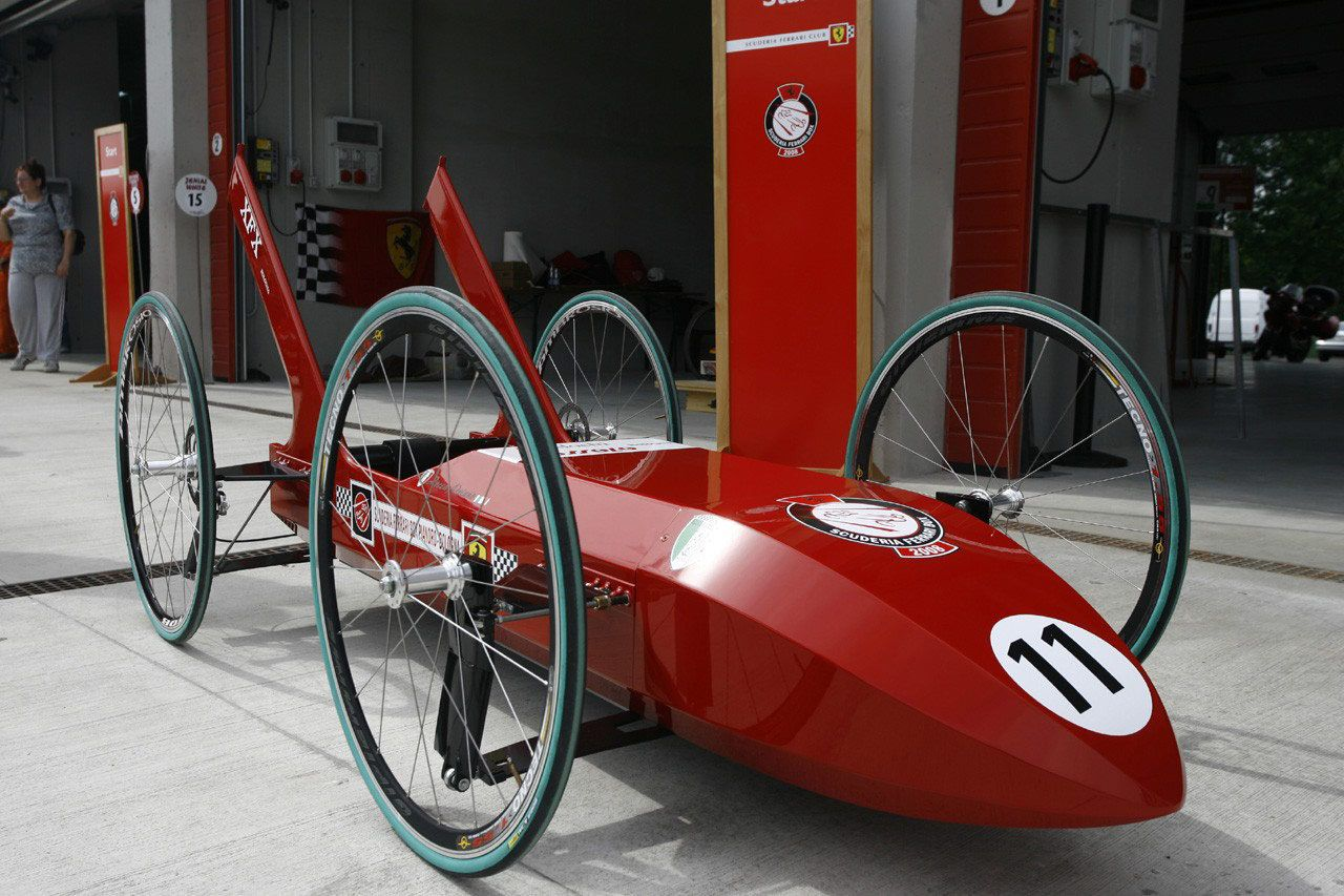 Pin De Valentino En Prototipo Vs Modelo Karts Trofeos Y Autos