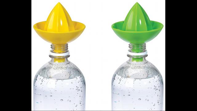 The Sombrero Bottle Juicer Will Zestify Your Spring Water Bottle