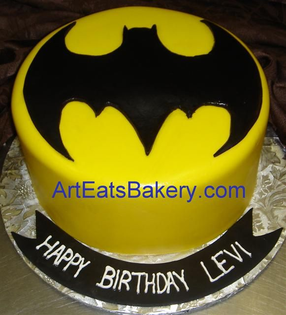 Custom yellow and black fondant kid\'s Batman symbol birthday design ...