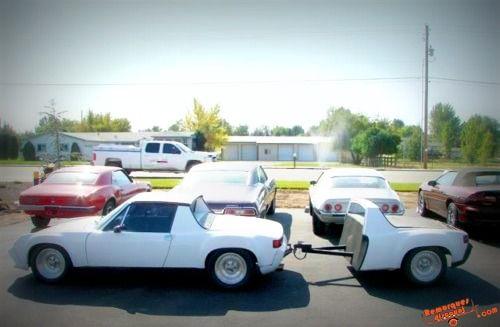 Porsche & trailer  Découvrez nos têtes d'attelage pour vos remorques sur: http://remorques-discount.com/fr/  Tête attelage remorque>> http://bit.ly/1ycRXRv