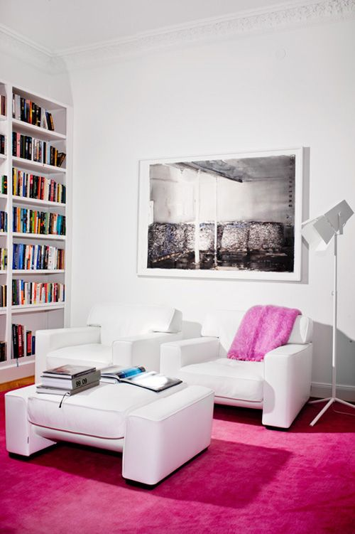 The Hot Pink Carpet Is A Game Changer Pink Living Room Round Carpet Living Room Retro Living Rooms