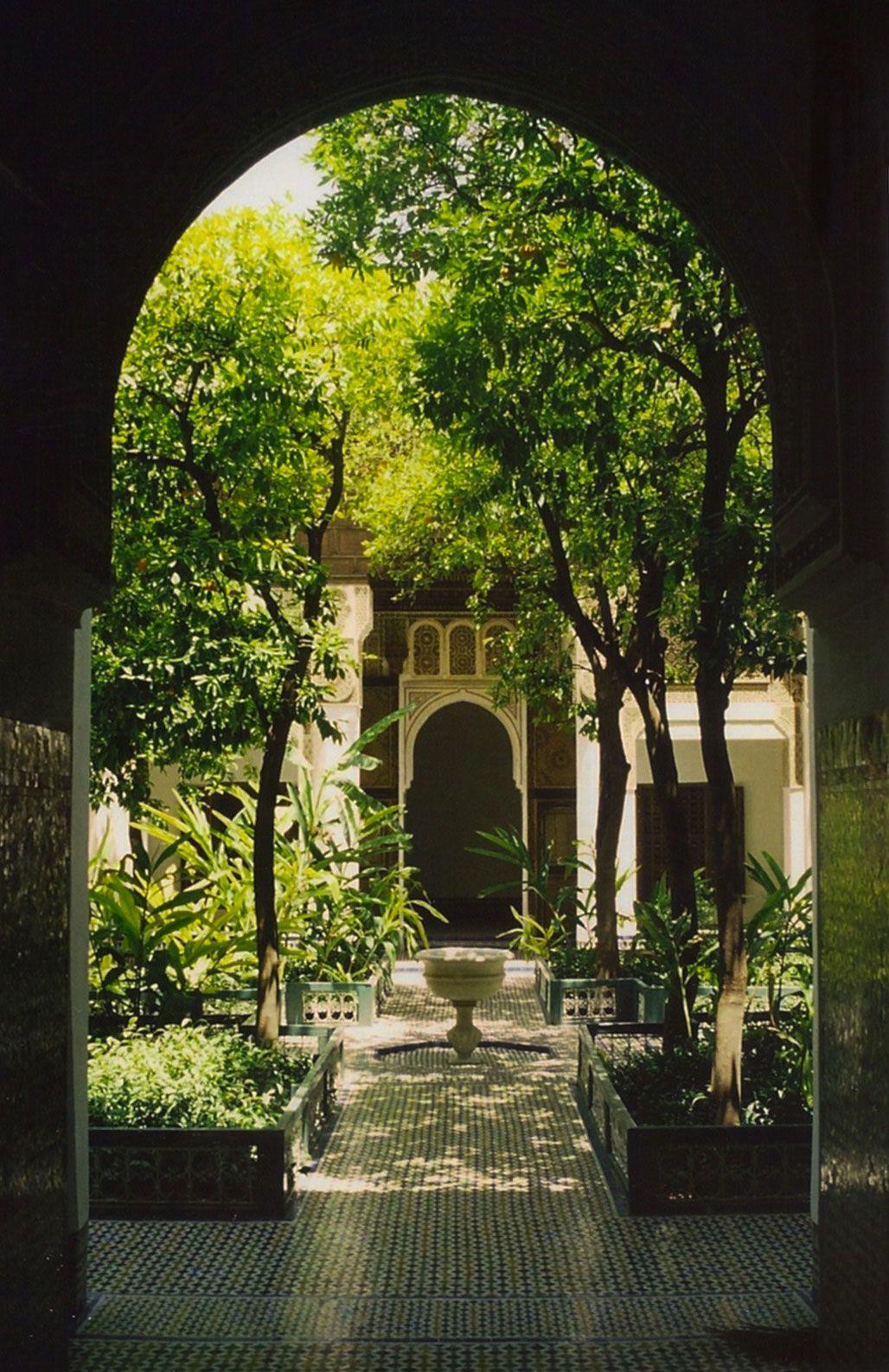 Sir20 photography — Moroccan riad courtyard by sir20