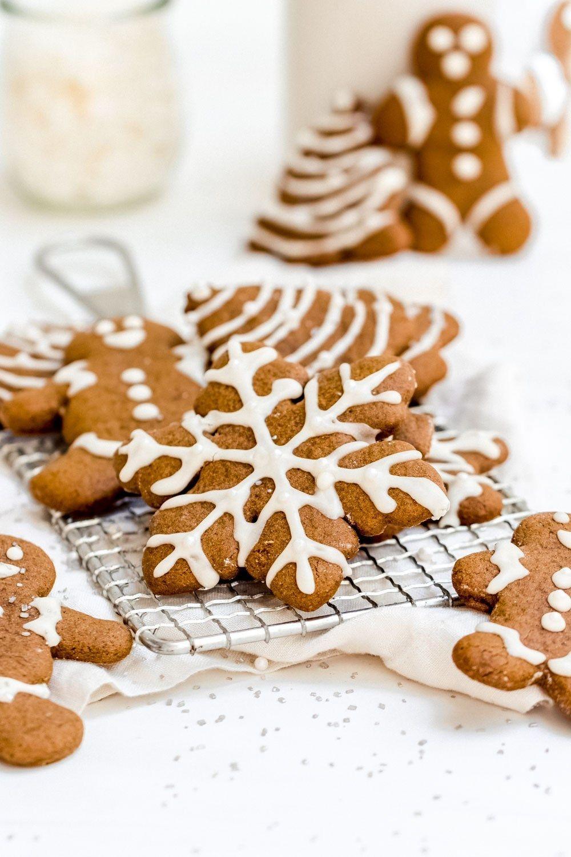 Perfect Chewy Gingerbread Cookies (Vegan & GF) #gingerbreadcookies