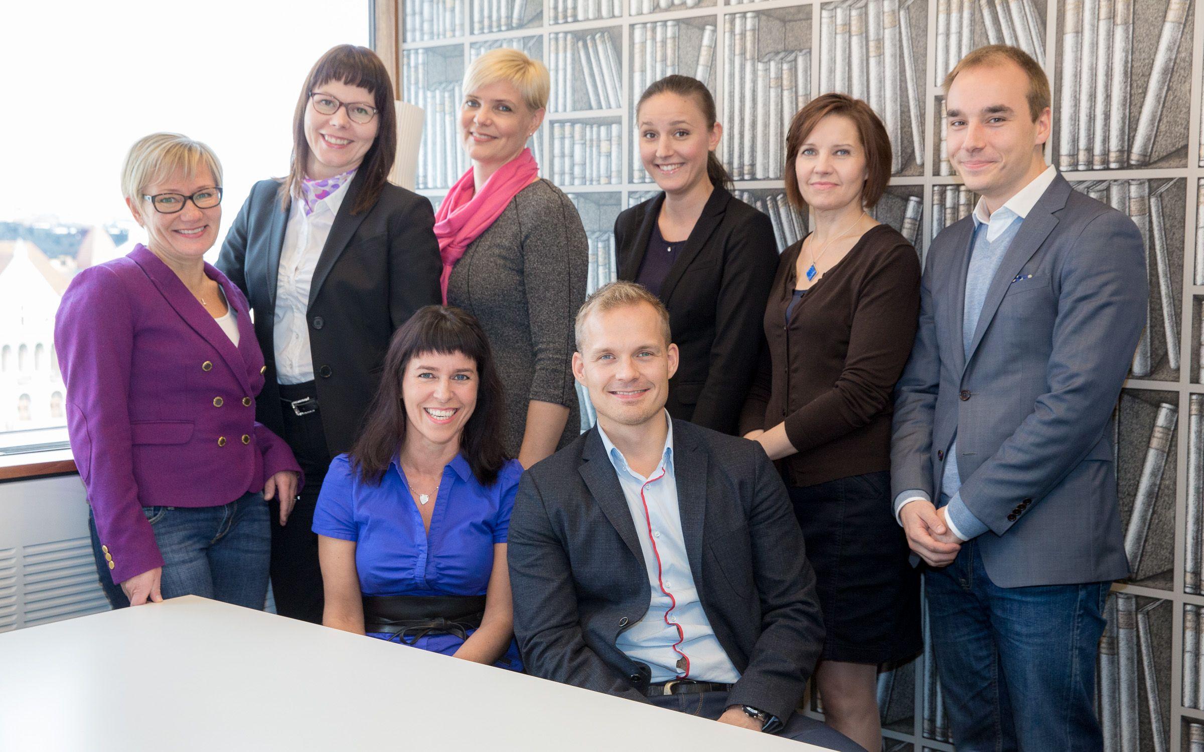 Kerrankin melkein kaikki konsultit samassa kuvassa! :)