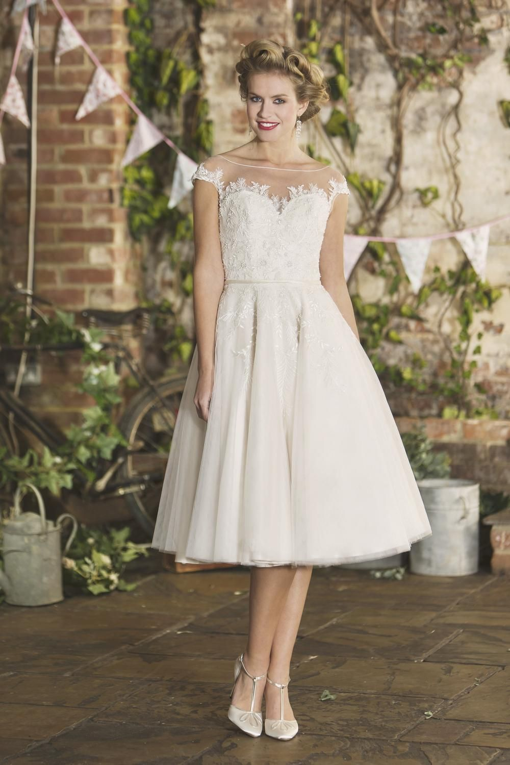 Brighton Belle Short Tea Length Wedding Dress | Hailey | Esküvő ...