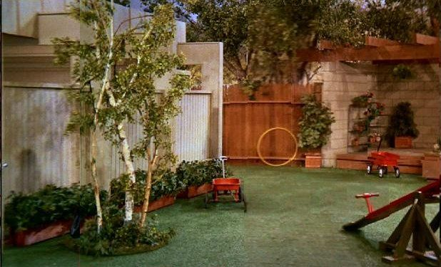 The brady bunch blog the brady bunch backyard