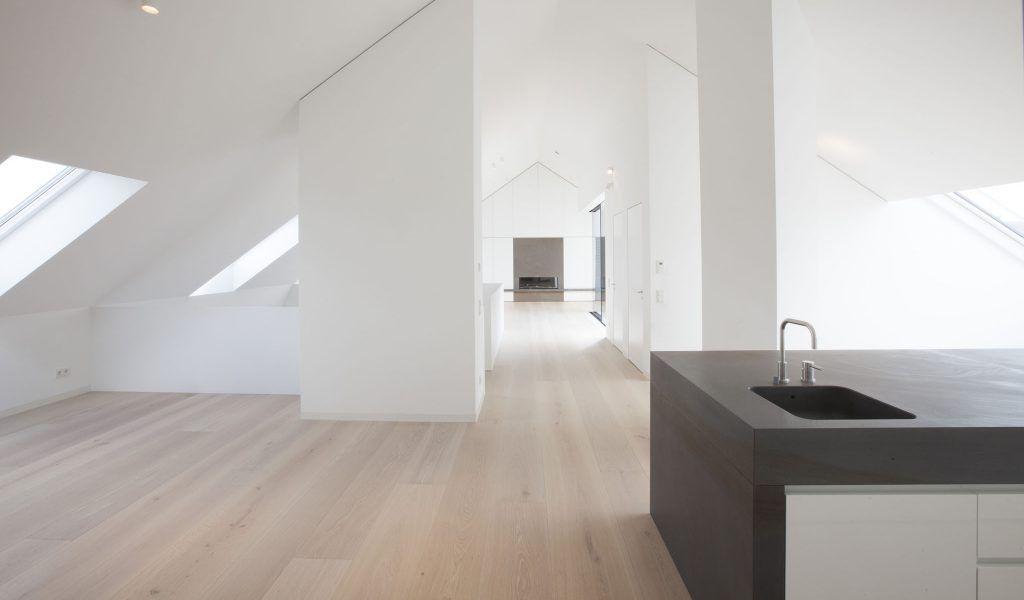 Landhausdielen Eiche, Farbton \u0027Bologna\u0027 interior exterior - küche in dachschräge
