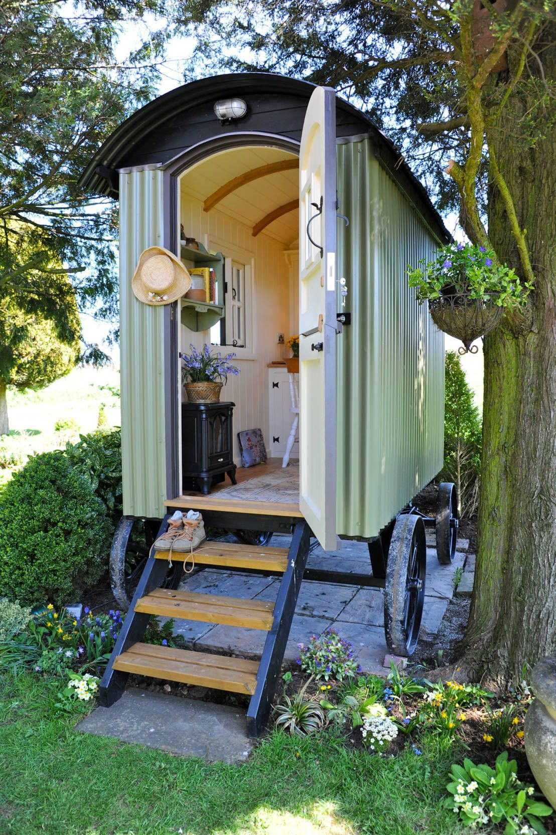 Best 15+ Tiny House Ideas Cottages & On Wheels