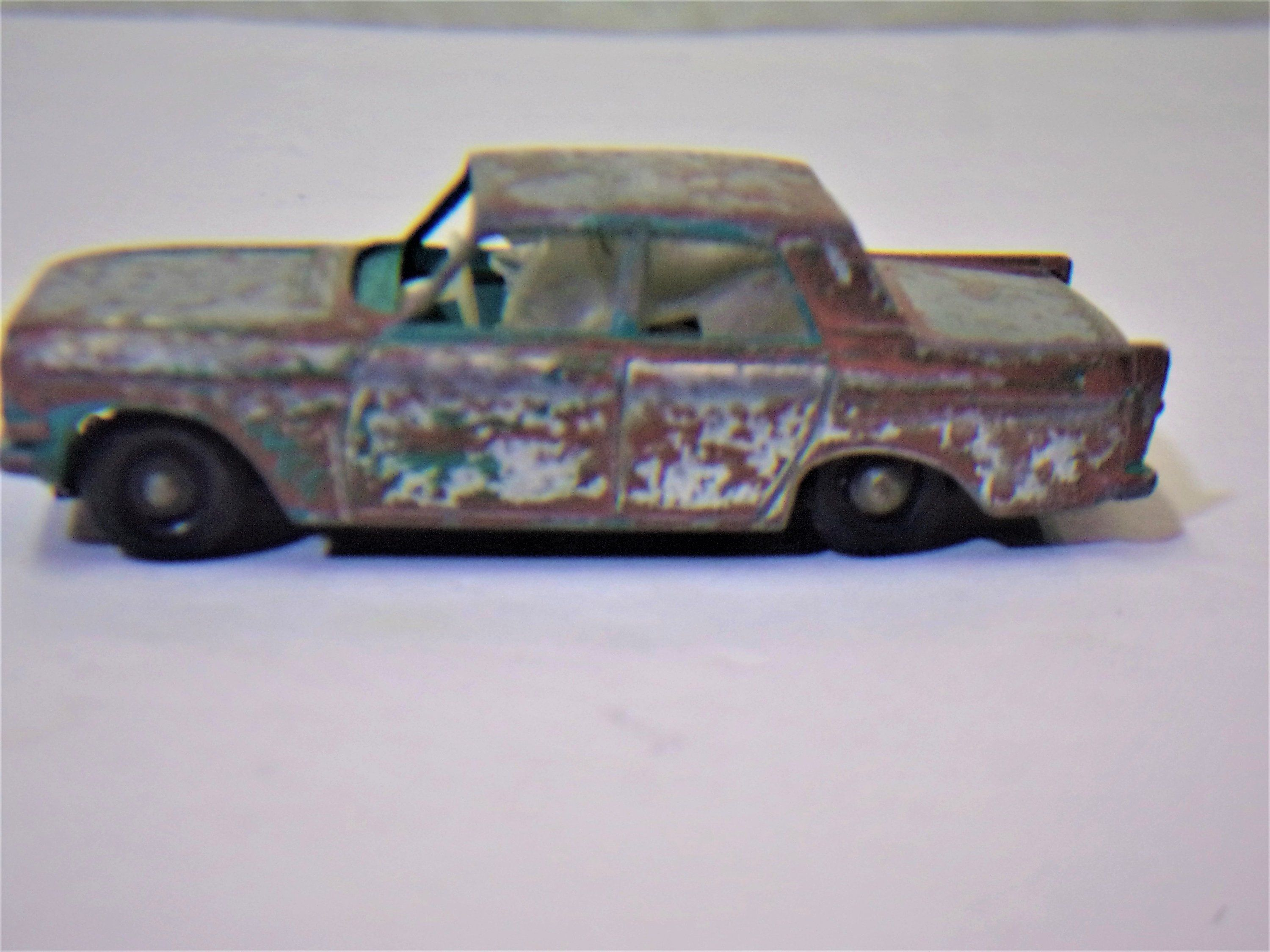 Sale 1960 S Vintage Diecast Lesney Matchbox Ford Zephyr 6 No 33 With Hitch Diecast England Barn Find Rusty Gold Ford Left Si 1960s Vintage Vintage Removal Van