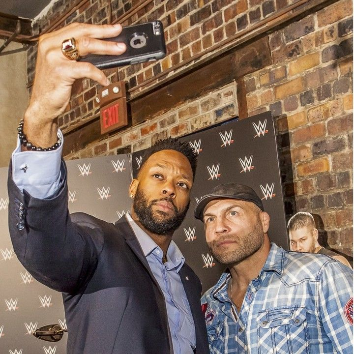 Selfies with Randy Couture at the 2016 After-School All-Stars Ohio Arnold Experience photographed Friday March 4 2016 at Dock 580 with Arnold Schwarzenegger. ( James D. DeCamp   http://ift.tt/1uidMgw & http://ift.tt/1LZVwPP   614-367-6366)   Full gallery of images at: http://bit.ly/1TGXA6J   #Schwarzenegger #ASF2016 #JDeCampPhoto #BlueShiesHD #ArnoldSportsFestival #ArnoldClassic #Dock580 #ASASOhio #MayorGinther #Kasich #614 #AsSeenInColumbus #ApoloOhno #BraunStrowman #WWETheBigShow…