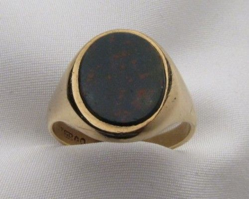 This vintage men's bloodstone ring has fantastic clean