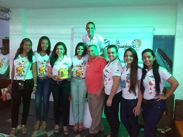 mia reposteria - Equipo camara de comercio- Expoguajira 2014.