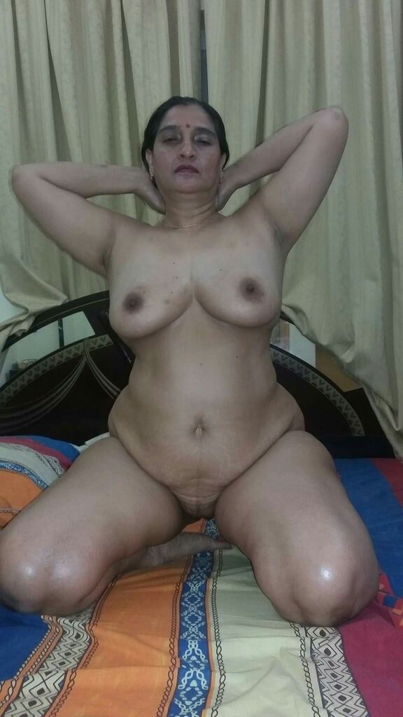 nude Indian mom