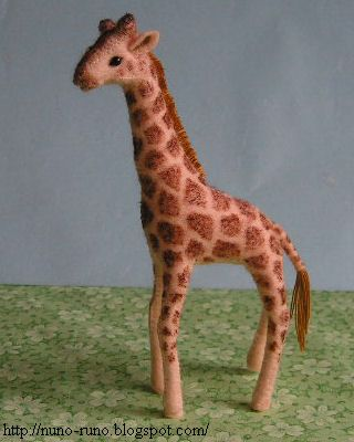 Felt giraffe http://nuno-runo.blogspot.com/2010/10/giraffe.html ...