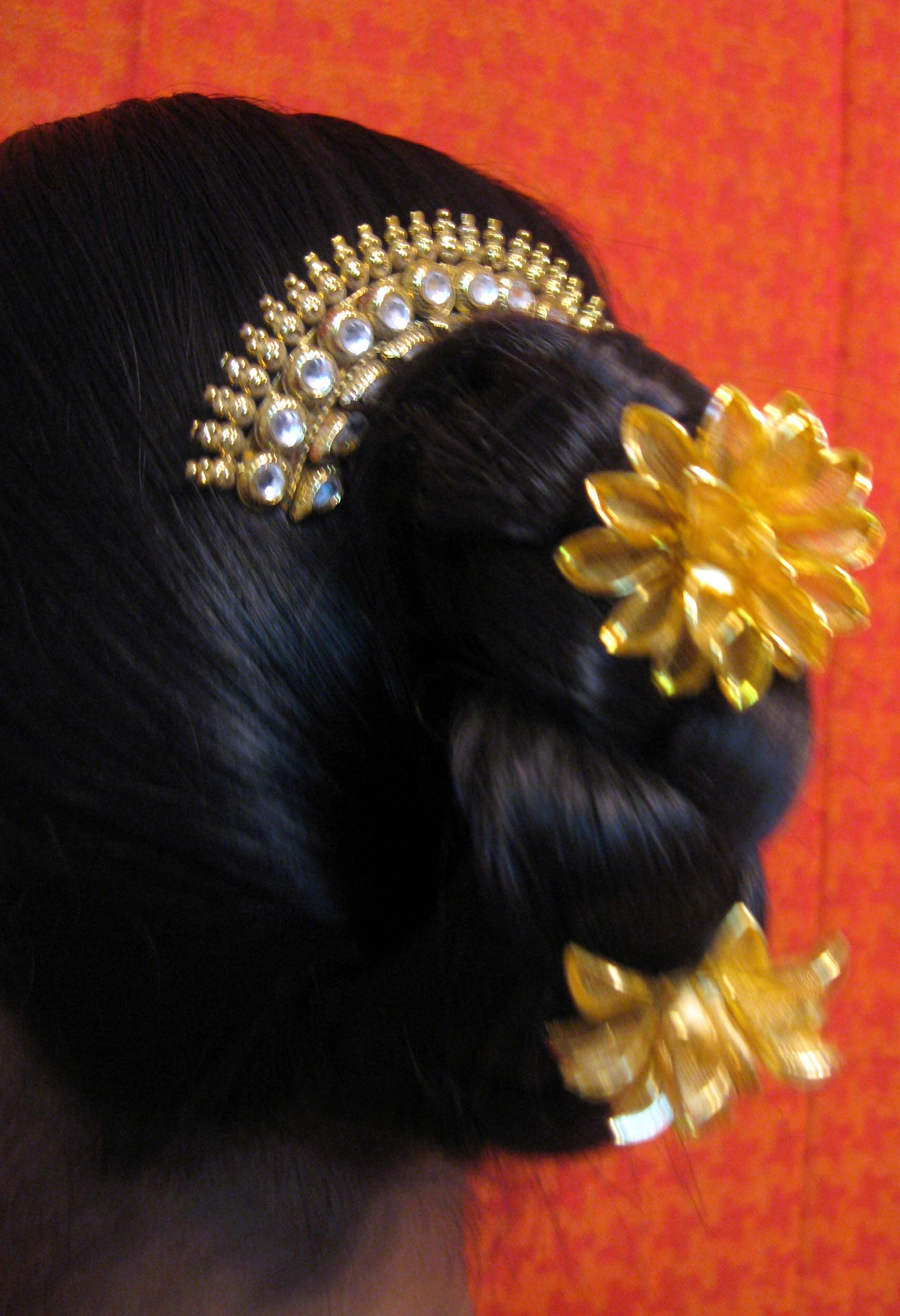 This Is A Traditionally Hairstyle Usually In Ancient Times Maharashtrian Ladies Use To Tie Up Their Ha Hair Jewelry Hair Accessories Indian Bridal Hairstyles