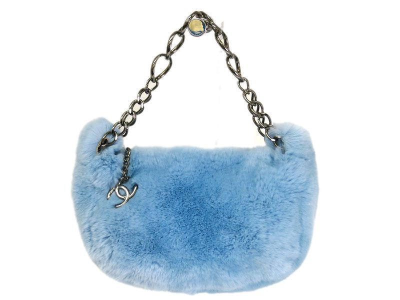 #Chanel Chain Hand bag Lapin Light Blue(BF066175). Authenticity guaranteed, free shipping worldwide & 14 days return policy. Shop more preloved brand items at eLADY: http://global.elady.com