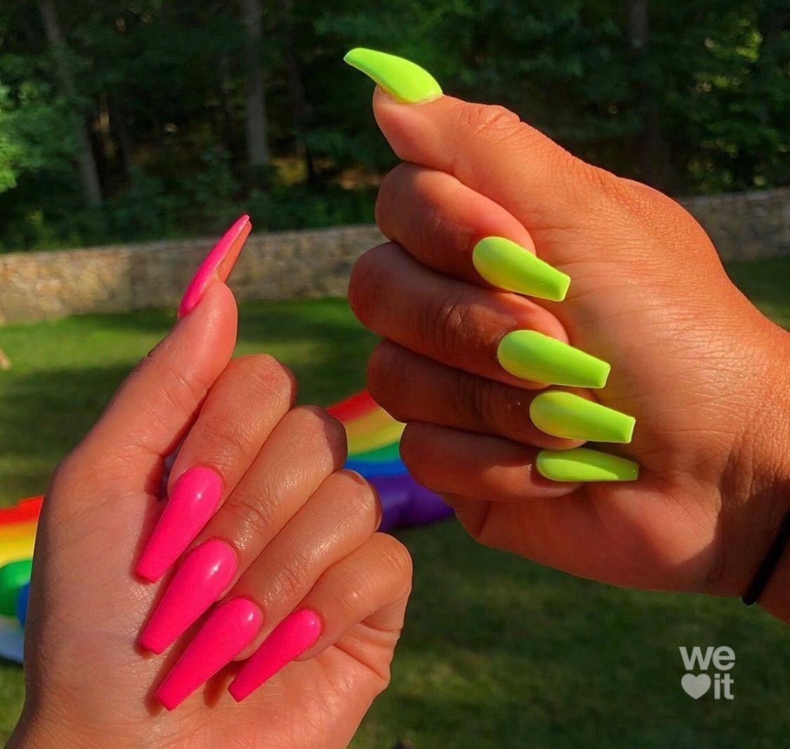 Imagen Descubierto Por Aesthetic Descubre Y Guarda Tus Propias Imagenes Y Videos En We Heart It In 2020 Green Acrylic Nails Aycrlic Nails Pink Acrylic Nails