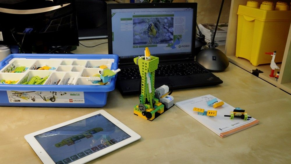 HOW TO START USING ROBOTICS DURING THE CLASSES   LEGO Mindstorms ...
