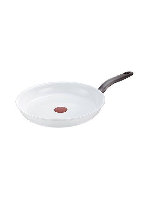 Ceramic Control on ensimmäinen keraaminen paistinpannu, jossa on Thermo-Spot -lämpötunnistin. Lämpötunnistin osoittaa milloin pannu on käyttövalmis. Erittäin kestävän keraamisen ansiosta sarjan paistoastioissa voi käyttää lähes kaikkia ruokailuvälineitä. Pannu sopii myös uuniin (max. 175°C) ja sekä kaikille keittotasoille, myös induktiotasoille. Käsinpesu.