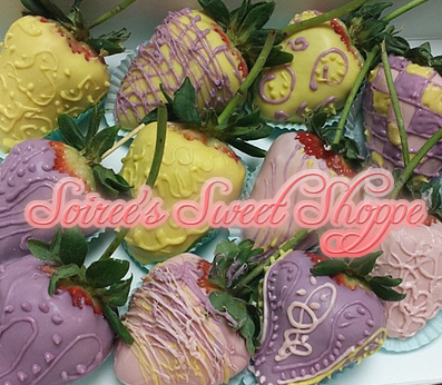"""Our Very Own """"Chocolate Covered Strawberries"""" ... These can be ordered through our website www.asoireeevent.com or email @ Plan@asoireeevent.... At this time, we only deliver to the DC, MD, and VA area. #dmv #eventplanning #desserts #cupcakes"""