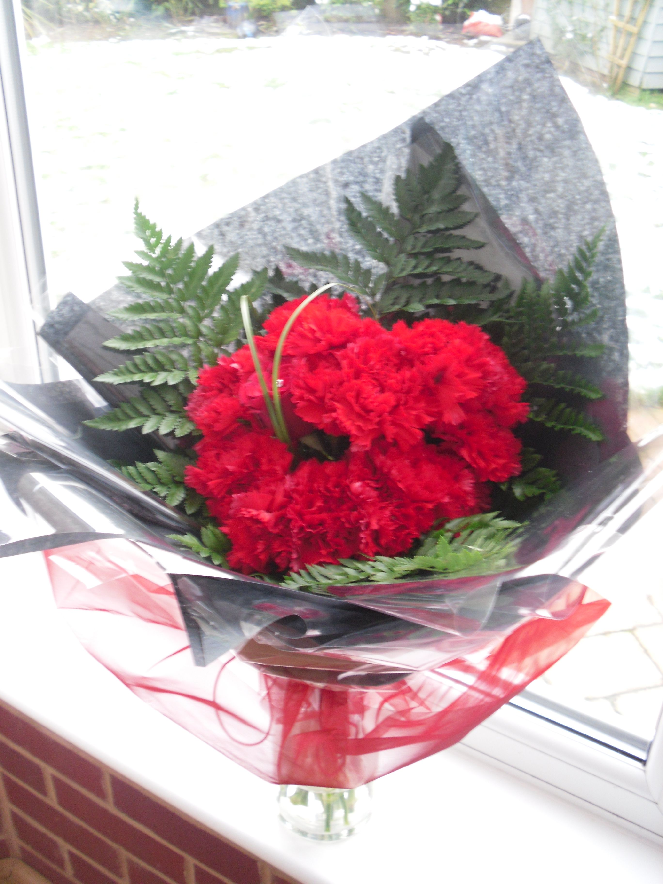 Valentines day heart bouquet of carnations cheap alternative to valentines day heart bouquet of carnations cheap alternative to roses izmirmasajfo