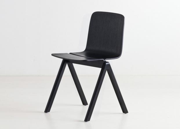 Ronan and Erwan Bouroullec for Hay. Vía @estemag living living living living #estliving #estdesigndirectory #designchairs #Haydesign #furnituredesigns