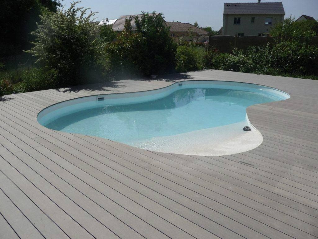Poolumrandung Beispiele how to build an oval deck around the swimming pool waterproof wpc