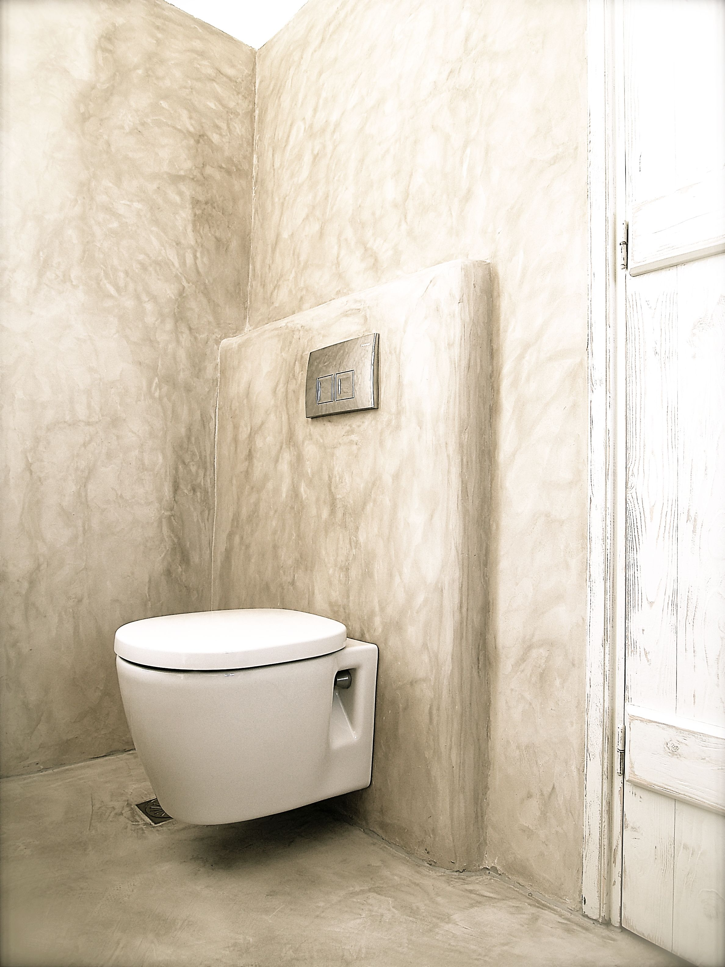 Cement Mortar In A Traditional Built Bathroom