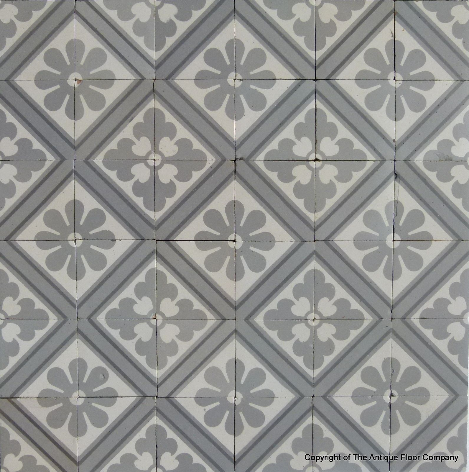 12.25m2 of classical paray le monial antique french ceramic tiles, Badezimmer ideen