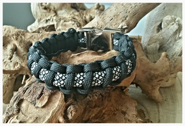 "Paracord bracelet ""Black diamond"""
