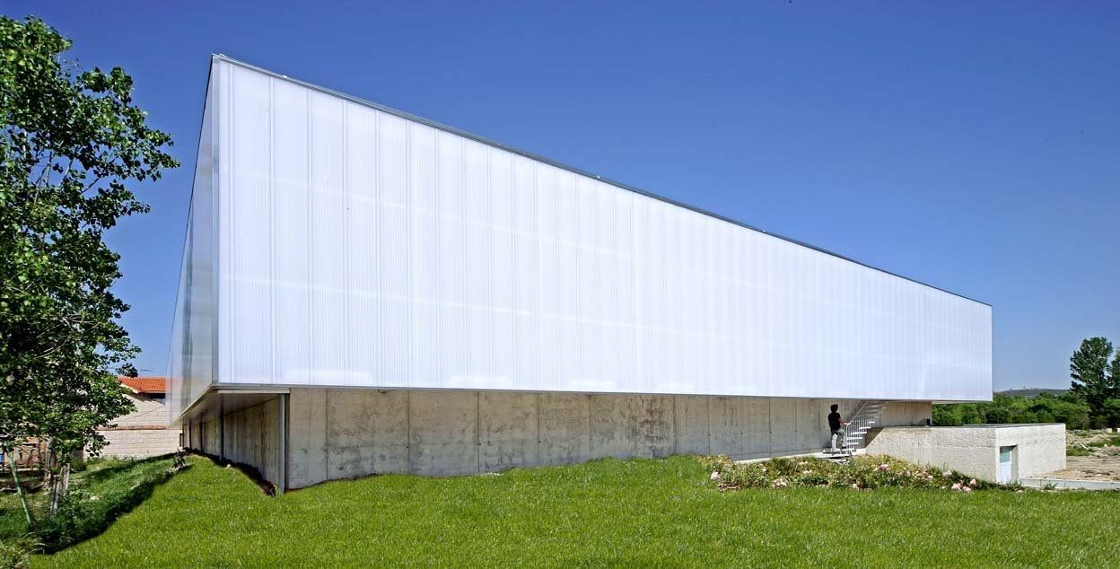 Curtain Wall Polycarbonate Sheet Politec Modulit 338lp Politec Polycarbonate Panels Facade Design Paneling