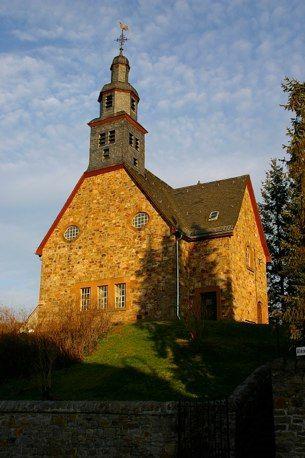 Gustav-Adolf-Kirche, Einweihung 29.08.1909, Sandsteinbau, Rockenberg
