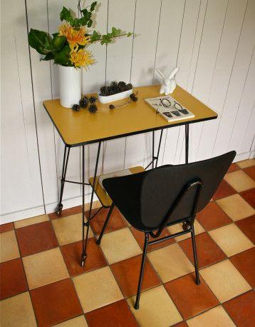desserte eiffel vintage des ann es 60 mobilier vintage. Black Bedroom Furniture Sets. Home Design Ideas