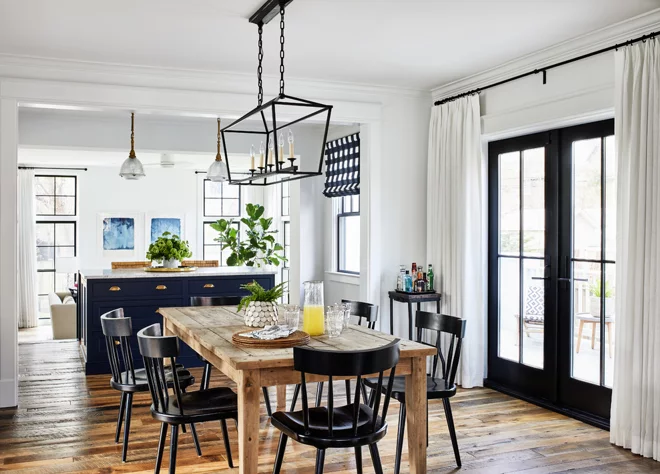 Houzz Tour Urban Farmhouse With Many Rooms For Gathering Beach Dining Room Beach Dining Room Furniture Dark Wood Dining Table