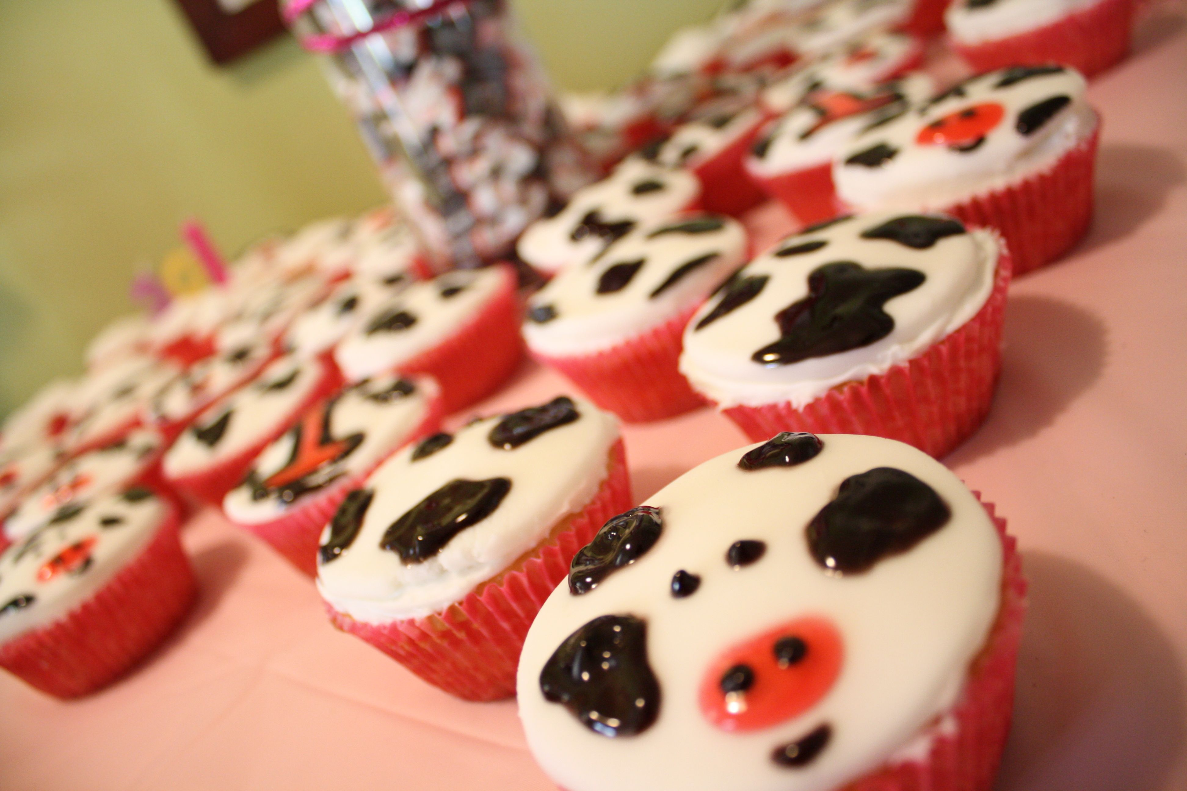 First Birthday Cow Cupcakes