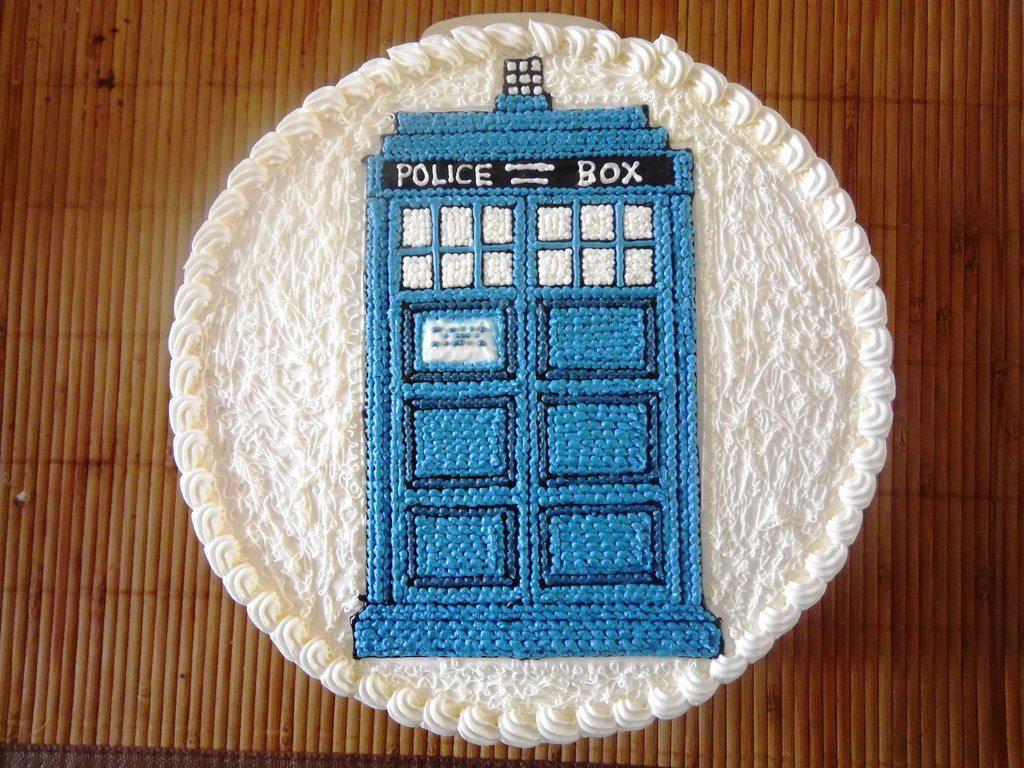 Tardis Birthday Cake Tutorial 5 Pinterest Cake tutorial