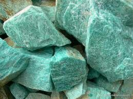 Gemstone of the Day: Amazonite. Saturn (foundations) connects with the Sun (lifeforce) and the moon (emotions). Use this stone to help you with self discovery, to help you set clear and healthy boundaries, and to balance your masculine and feminine energies. Can be used at heart and throat chakras.