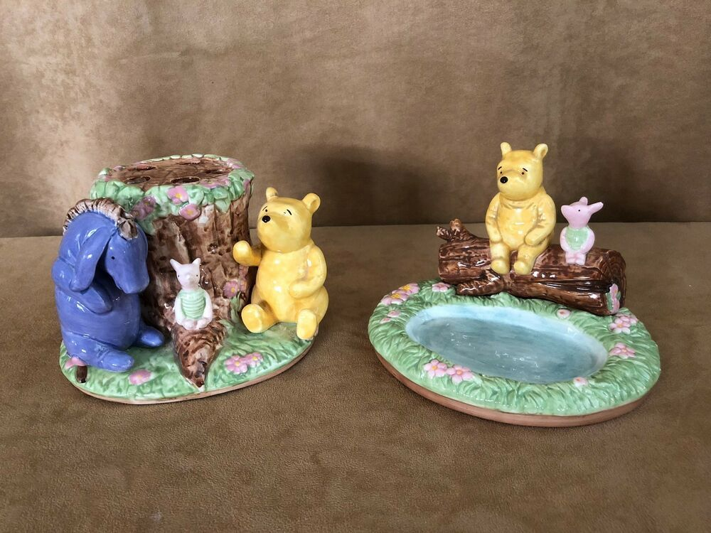 Disney Classic Winnie The Pooh Bathroom Set Toothbrush Holder Soap