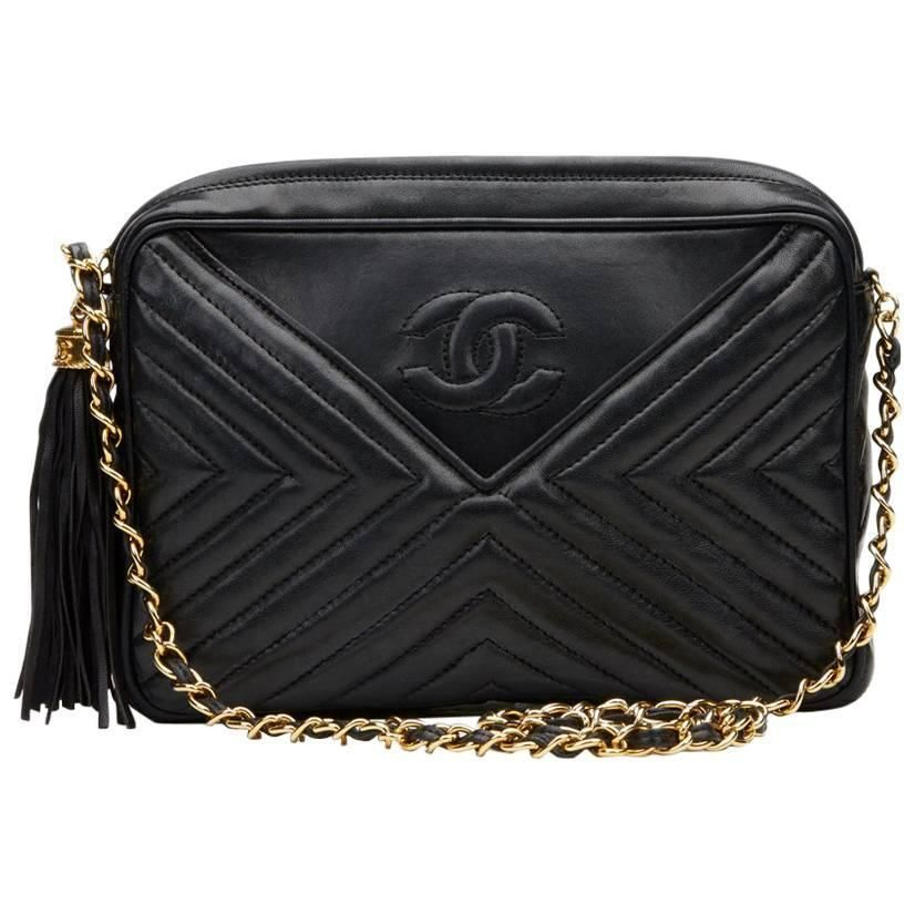 c29ef16498ec 1980s Chanel Black Chevron Quilted Lambskin Vintage Camera Bag