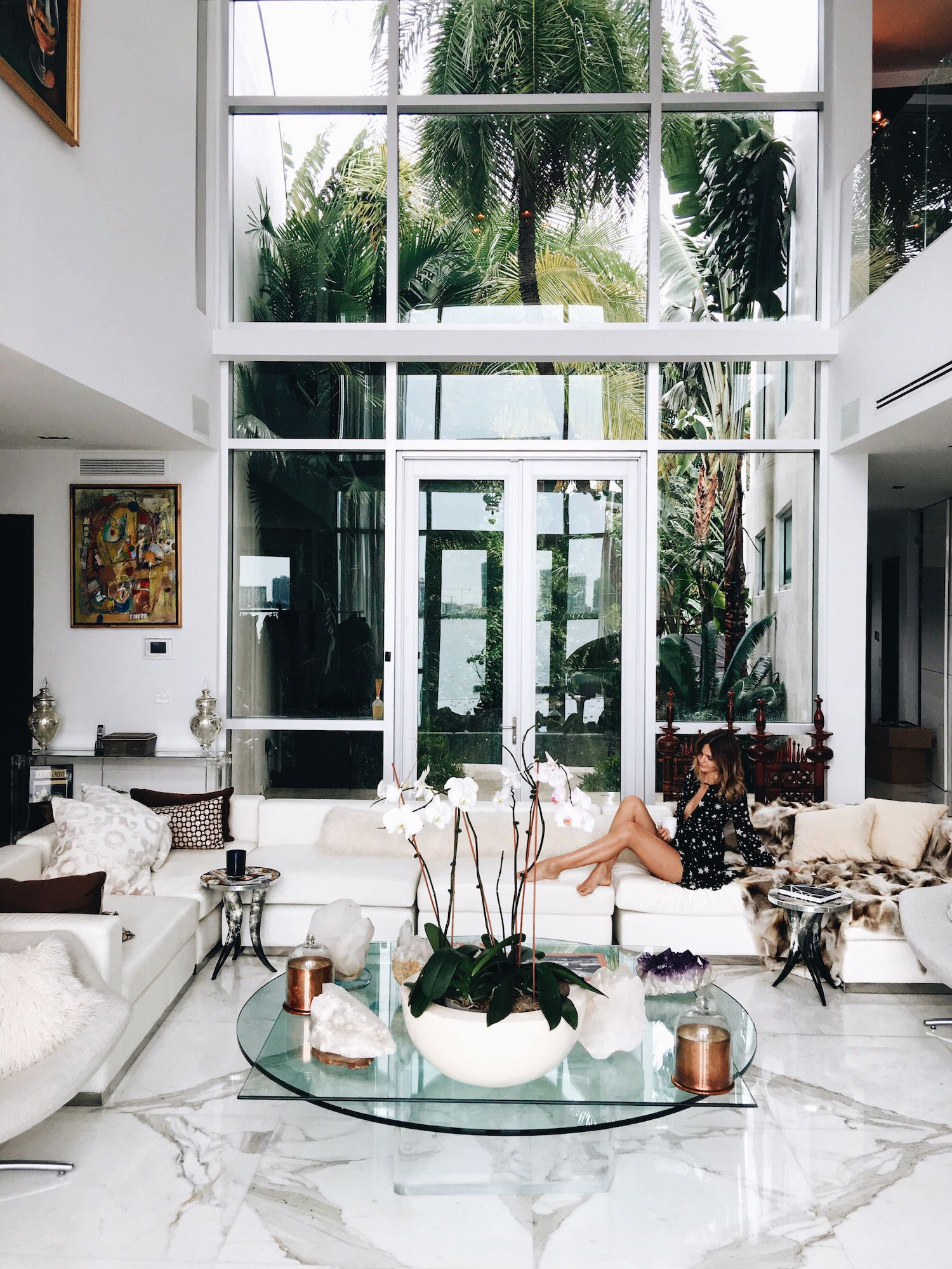 living group london miami 1000 ideas about houses in miami on pinterest soho beach house hanging picture frames and modern apartments