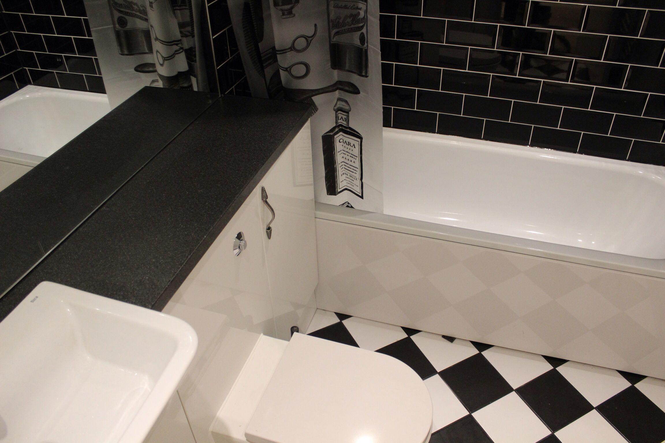 Black white metro diamond bathroom brickpattern bathroomsuite