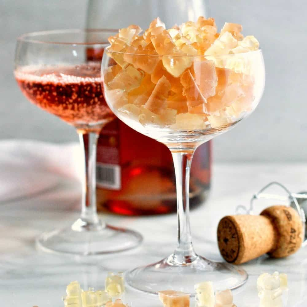 You Won 39 T Believe How Easy It Is To Make Homemade Champagne Gummy Bears You Just Need 3 Simple Ingredients Champagne Gummy Bears Bear Recipes Gummy Bears